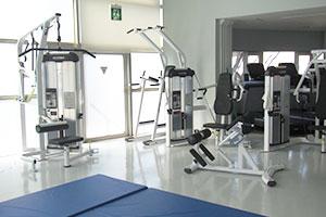 トレーニングルーム マシン